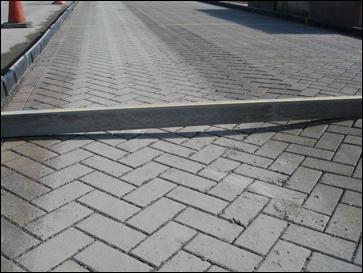 Thí nghiệm lún vệt bánh xe với mặt đường lát gạch tự chèn 10