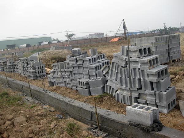 Phú Điền - Làm móng trước khi tiến hành xây tường